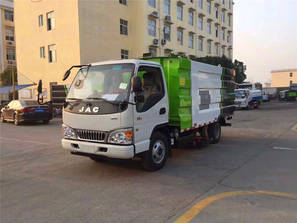 江淮小型5方吸尘车