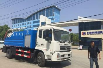 东风天锦7.45立方清洗吸污车